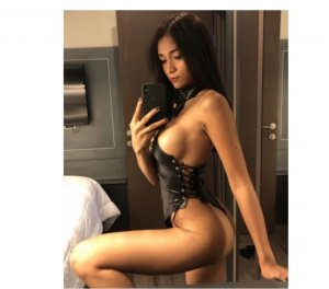 Felicienne women escorts in Brevard, NC