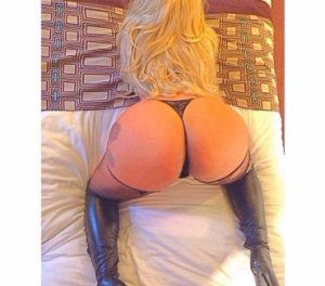 Adisson latina escorts in Newhaven